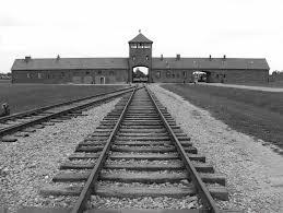 Auschwitz: il luogo della disumanità divine luogo in cui ritrovare l'umanità