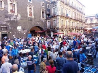 Catania piange i danni del suo sindaco